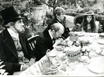 Afbeeldingsresultaat voor alice in wonderland 1966